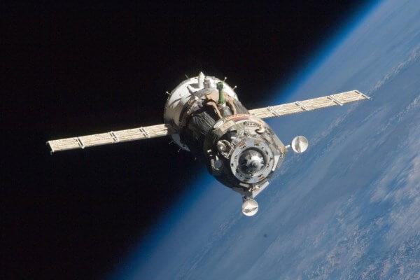 cuántos satélites artificiales hay