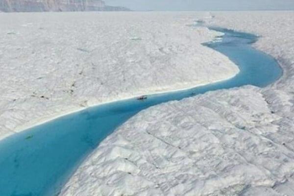 Río origen glaciar