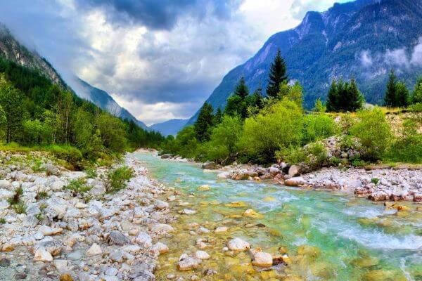 río de montaña curso alto