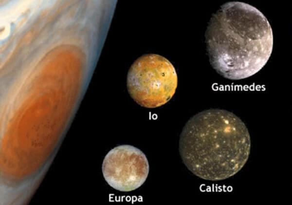 cuántas lunas tiene Júpiter