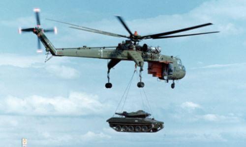helicóptero militar de transporte de cargas pesada