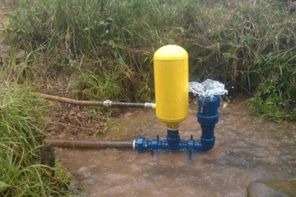 cómo funciona un ariete hidráulico